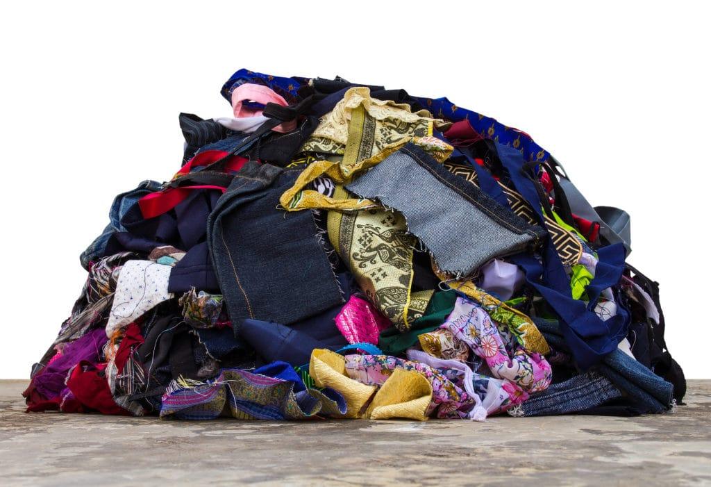 V italské vesničce se odpadky mění na působivé modely