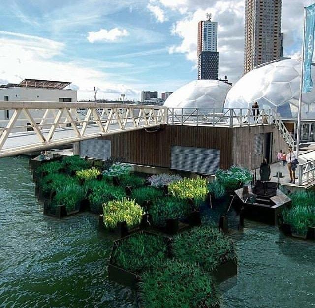 Plovoucí park z recyklovaného plastu