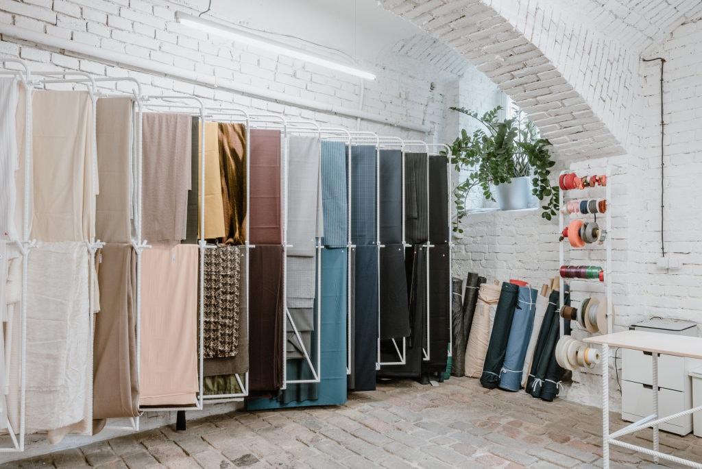 Brány prodejny Textile Mountain se otevřely
