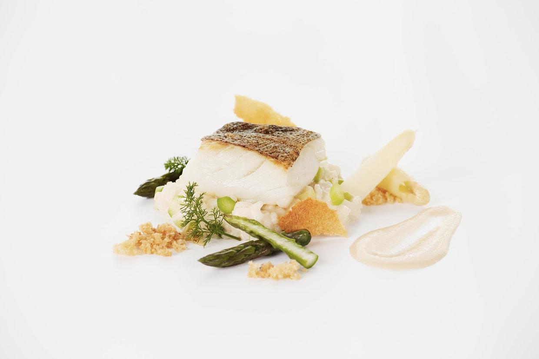 Atlantská treska, beurre blanc omáčka a chřestové rizoto