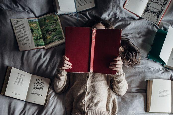 Když knihy ožívají Příběhy o pandemii, které si přečíst během večerů karanténě