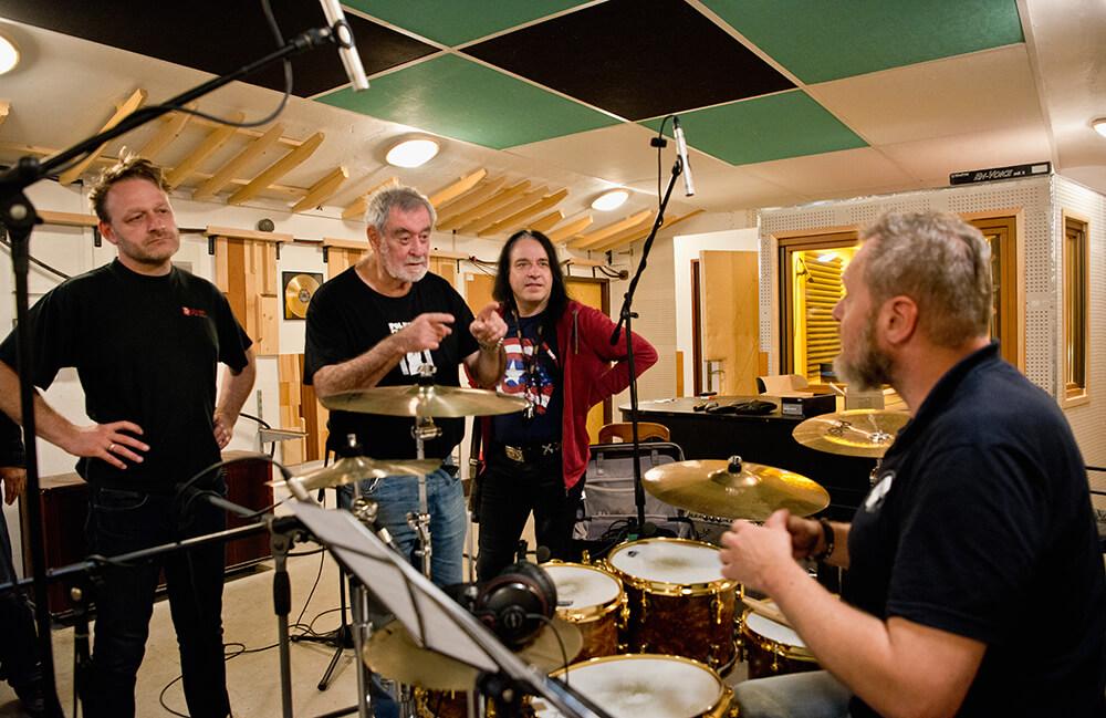 Foto: Ivan Prokop, Michal Prokop během nahrávání desky.